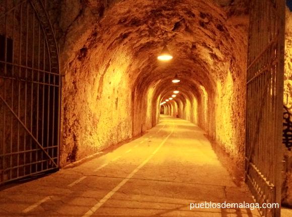 Tunel que une los Paseos Maritimos de la Cala del Moral y El Rincón de la Victoria