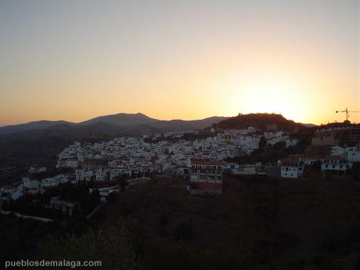 Puesta de sol en Almogia