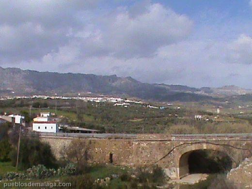 Villanueva de la Concepcion y puente