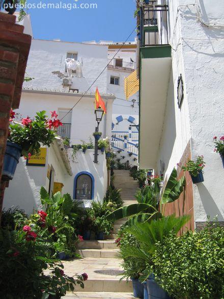 Calle andaluza en Almogía