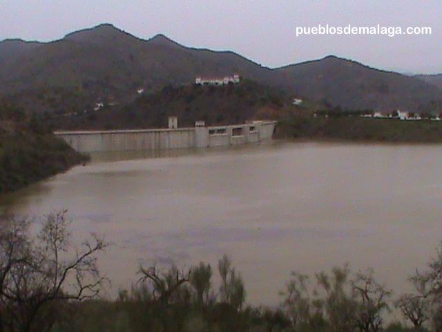Presa Casasola, tras las lluvias de Enero de 2010