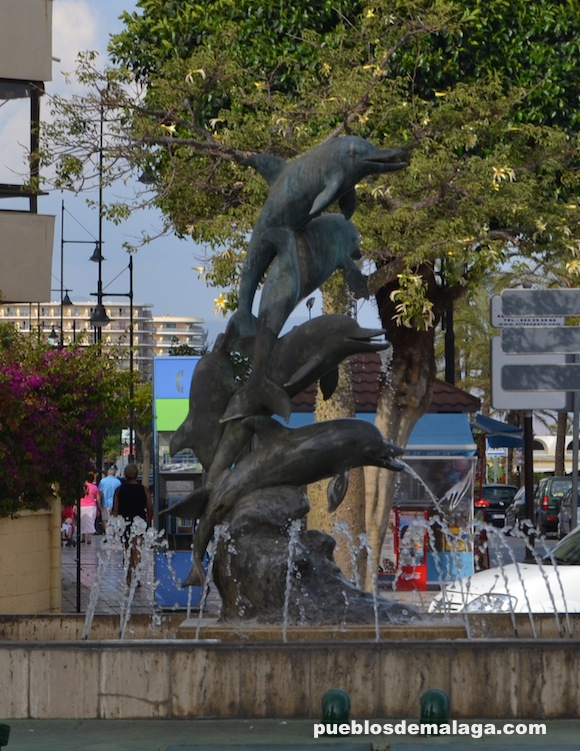 Source of the dolphins in Torremolinos
