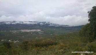 Panorámica de Villanueva de la Concepción y el Torcal nevado