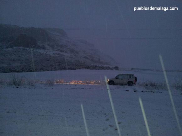 Luz en la nieve, las nevadas junto al Torcal de Antequera hicieron estampas tan bonitas como esta