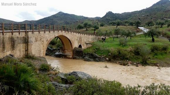 Puente Romano de Almogía tras las lluvias de Noviembre de 2016 (Foto cedida por manuel Mora Sánchez)