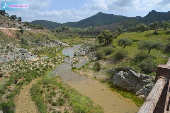 Rio Campanillas a punto de encontrarse con las aguas de la Presa de Casasola