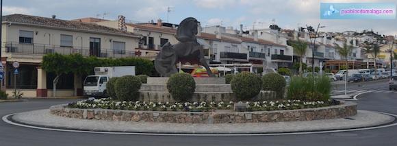 Escultura homenaje al caballo
