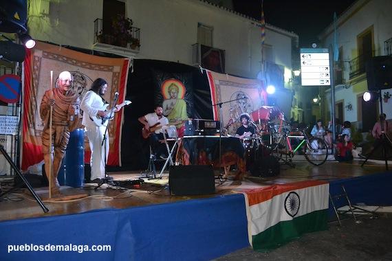 Actuación del grupo INDIAN GROOVELAND con música Etnica