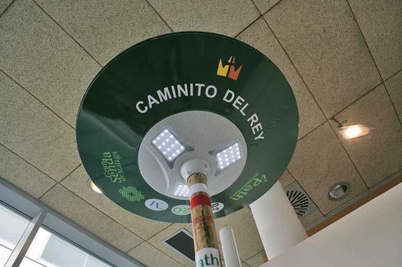 El Caminito del Rey ya ofrece a los visitantes los infosenderos con puntos de red wifi, información, alumbrado y carga USB