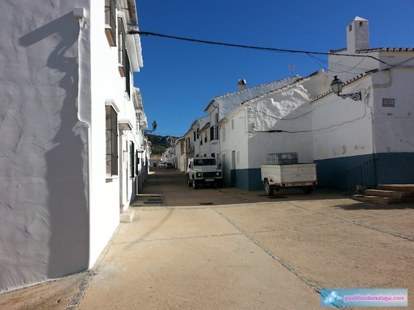 Calle Granada en Villanueva de Cauche