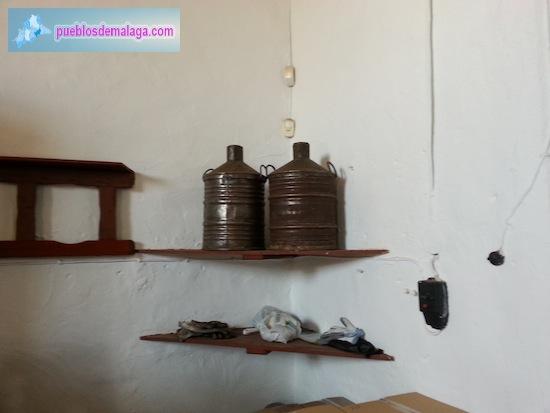 Museo del Aceite de Mondrón - Cacharras de aceite (vasijas de aceite)