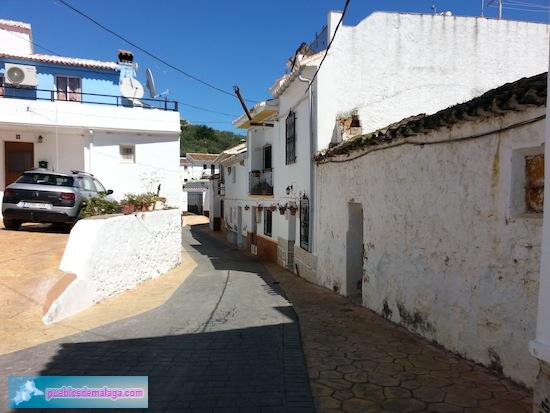 Calle Abajo en Mondrón