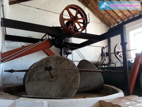 Piedras de molino de aceite del Museo del Aceite de Mondrón