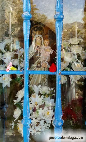 Virgen del Carmen del Santuario de las rocas del Paseo Marítimo de la Cala del Moral