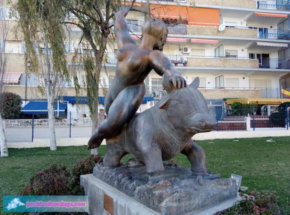 Rapto de Europa, escultura de Jose Seguiri en el Rincón de la Victoria