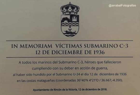 Placa homenaje al Submarino C-3  hundido durante la Guerra Civil en La Cala del Moral