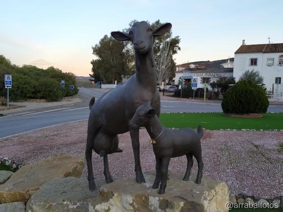 Monumento a la cabra malagueña en Casabermeja